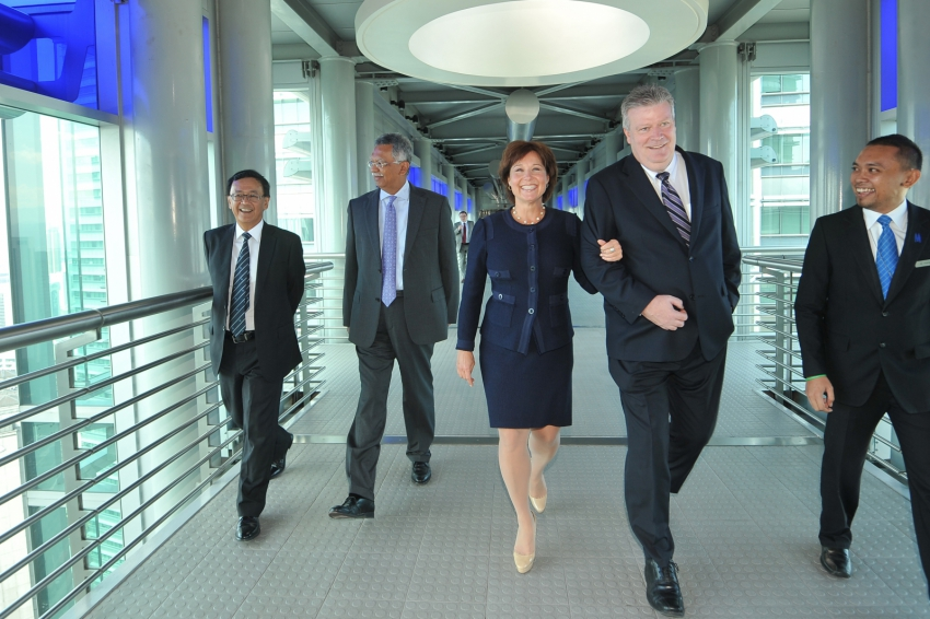 Petronas CEO and Premier Christy Clark in Malaysia on LNG tour - BC Gov't photo