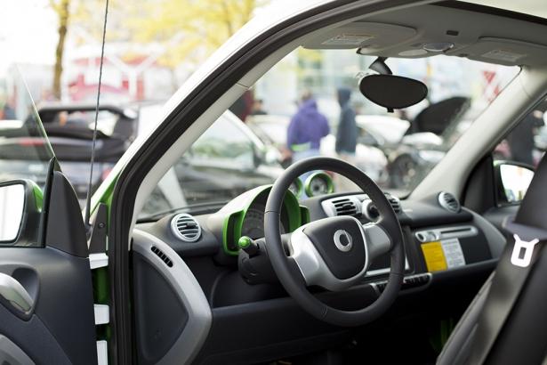 SMART electric car - VEVA BCSEA electric vehicle show 2014 - Mychaylo Prystupa