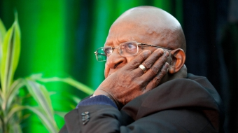 Desmond Tutu in Fort McMurray. Photo by Bill Weaver