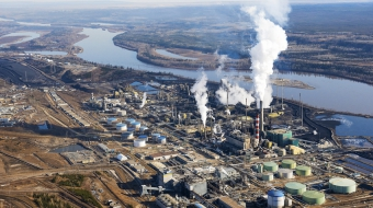 Oil sands photo by Andrew S. Wright