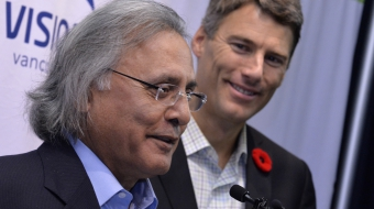 Ujjal Dosanjh (left), Mayor Gregor Robertson (right)